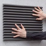 Plaques à Pare-Chocs Muraux Mondaplen: Plaques en Mousse Autoadhésives pour protéger les portières de voiture en les appliquant aux murs de votre garage. Chaque boîte contient 4 plaques environ 44 x 59 cm chacune ( Argent) de la marque g2c image 4 produit