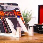 Support de rangement KAIU pour disques vinyles -Bois massif avec panneaux de support en verre acrylique transparent- De qualité supérieure - Parfait pour des vinyles 33 tours ou 45 tours - Meuble de présentation - Pour 50 disques de la marque KAIU image 3 produit